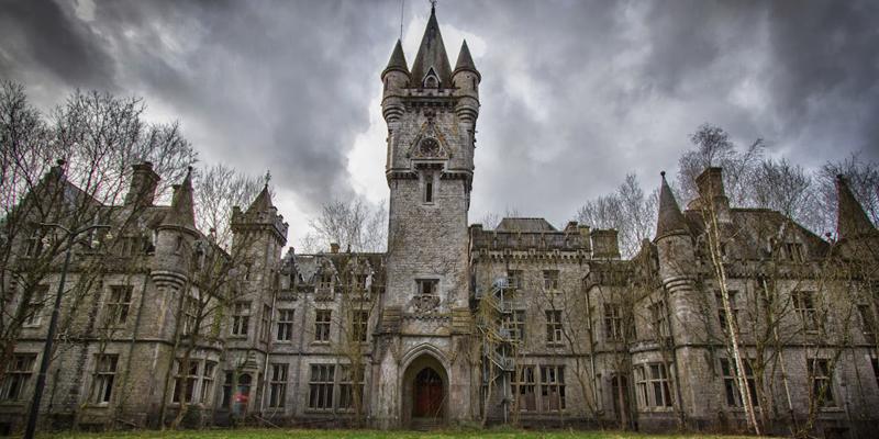 castelos-abandonados-pelo-mundo-02