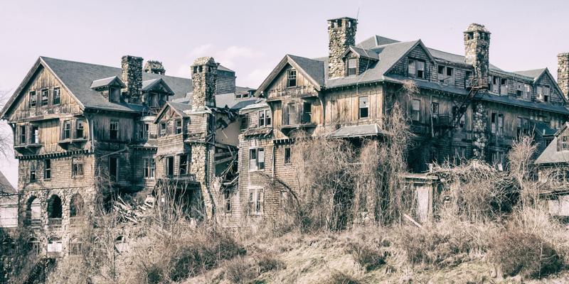castelos-abandonados-pelo-mundo-03
